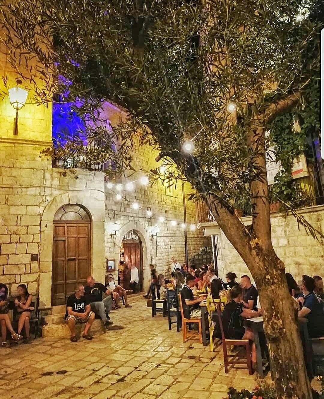 Giovinazzo attività di ristorazione nel centro storico